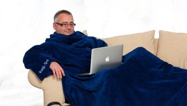 мужчина в теплом халате