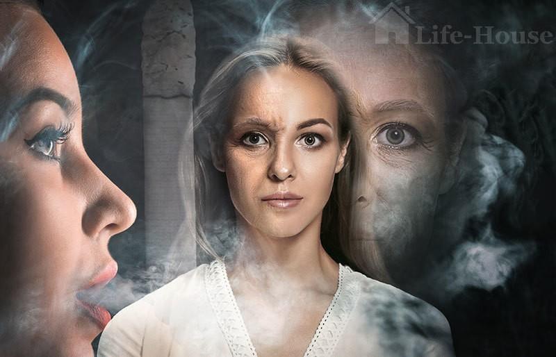футуристическое фото, на котором одна половина лица девушки молодая, вторая - старая