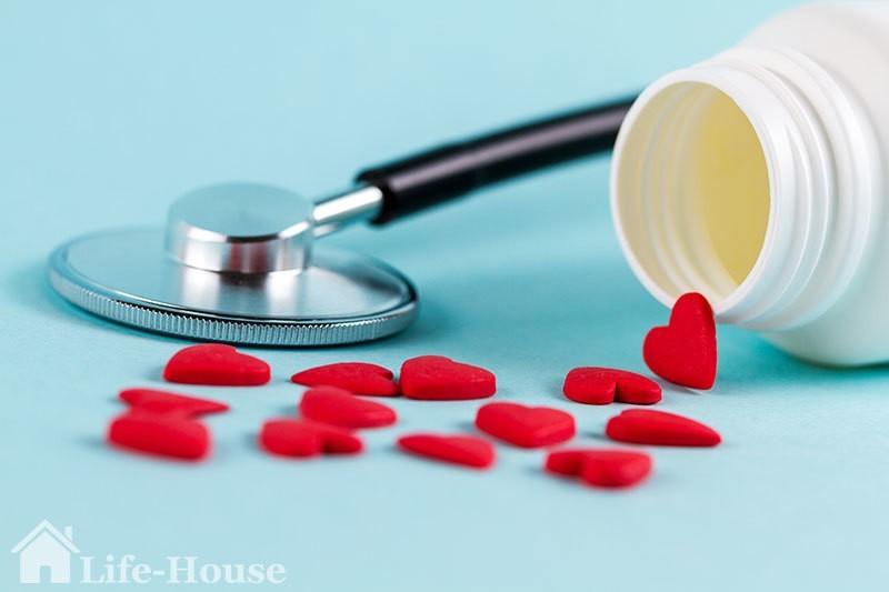 лекарство и медицинский прибор