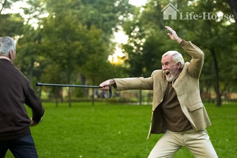 літні люди зберігають радість в старечому віці