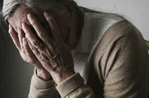лечение пожилых с деменцией